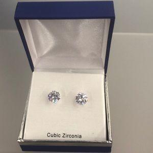 Cubic Zirconia | 2 Diamond Earings NWT